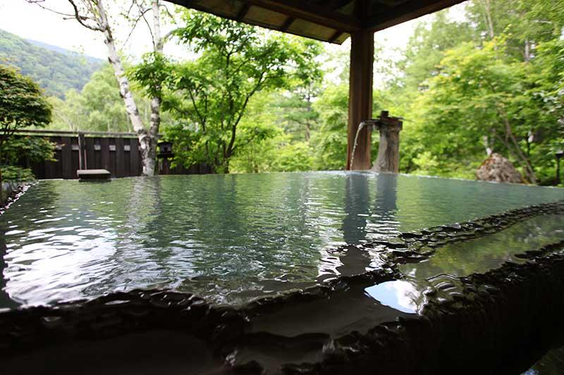 【白骨温泉 小梨の湯笹屋】 泉質・湯船ともにパーフェクトな温泉!