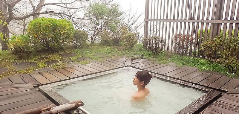 【那須温泉 松川屋那須高原ホテル】 2種類の温泉を楽しめる絶景温泉