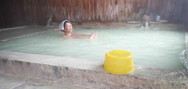 【塩原温泉 大出館】 2種類の温泉を一度に楽しめる!