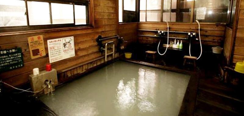 【塩原温泉 湯荘白樺】 温泉好きにおすすめの乳白にごり湯