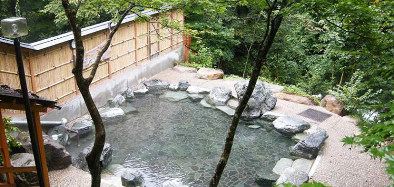 【谷川温泉 湯テルメ・谷川】 露天風呂と3つの源泉が楽しめる日帰り専門の温泉