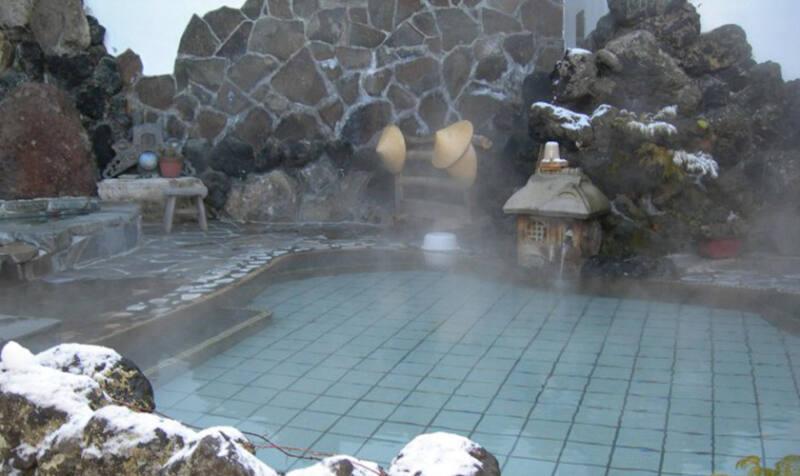 【信州別所温泉 深緑の宿 緑屋吉右衛門】 湧きたての源泉を楽しめる信州最古の湯