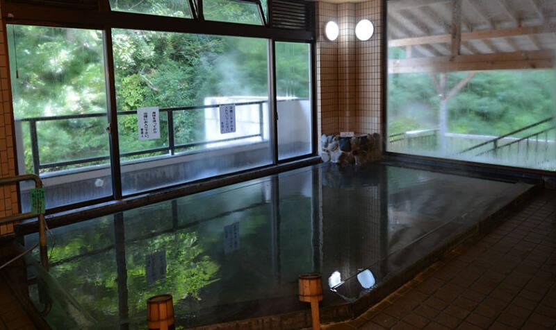 【松之山温泉 鷹の湯】 1000万年の時を経て湧き出た美肌温泉!