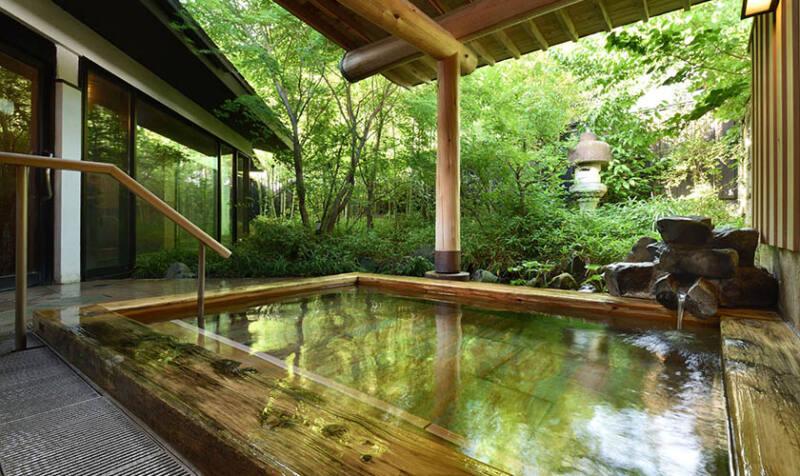 【川場温泉 かやぶきの源泉湯宿 悠湯里庵】 建築の美しさと泉質の良さに心癒されて